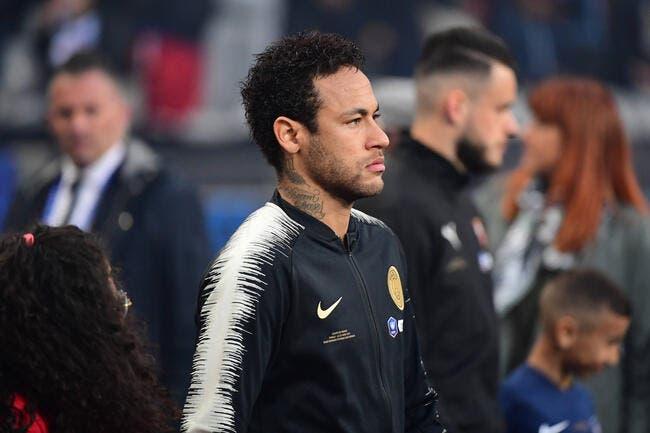 PSG: Neymar regrette un peu sa baffe, puis pas du tout