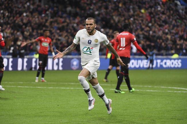PSG : Le Paris SG lui fait peur, Dani Alves songe à partir !
