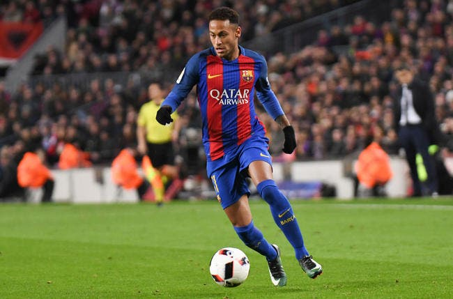 PSG : Neymar doit revenir au Barça, il se met à genoux