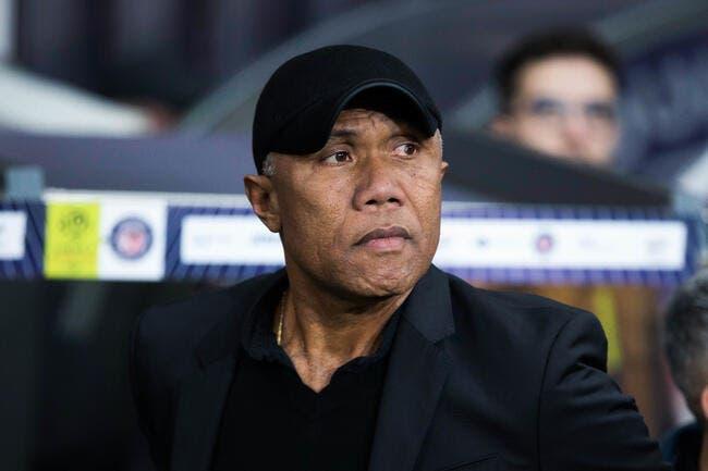 TFC : Kombouaré dézingue l'arbitre « supporter » de Nantes !