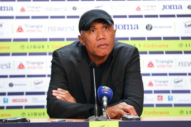 TFC : Antoine Kombouaré rembarre gentiment Elie Baup