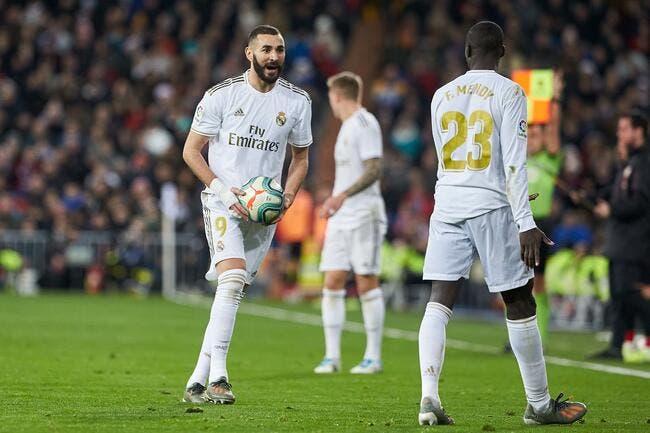 Esp : Karim Benzema seul, le Real Madrid prêt à un coup XXL