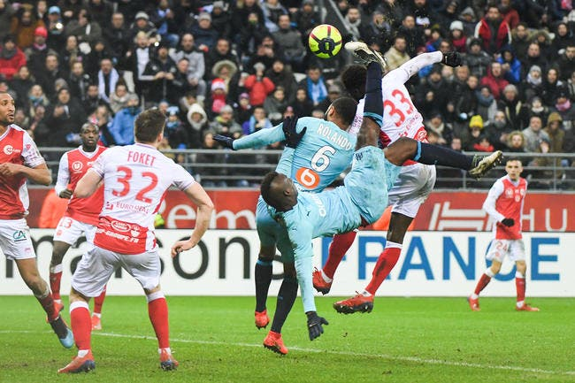 OM : Mario Balotelli titulaire, un choix qui rend fou Luis Fernandez !