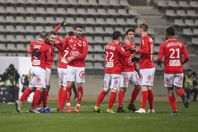 L2 : Brest écarte Auxerre et revient sur Metz