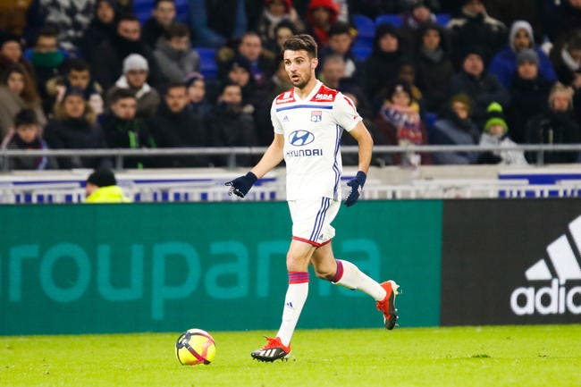 Après OL-Barça, Léo Dubois envoyé direct en équipe de France