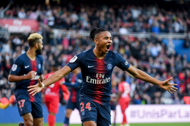 PSG : Il contredit son agent, Nkunku envoie un message à Paris !