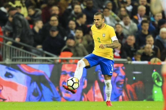 Brésil: Dani Alves et un petit nouveau dans la liste de Tite