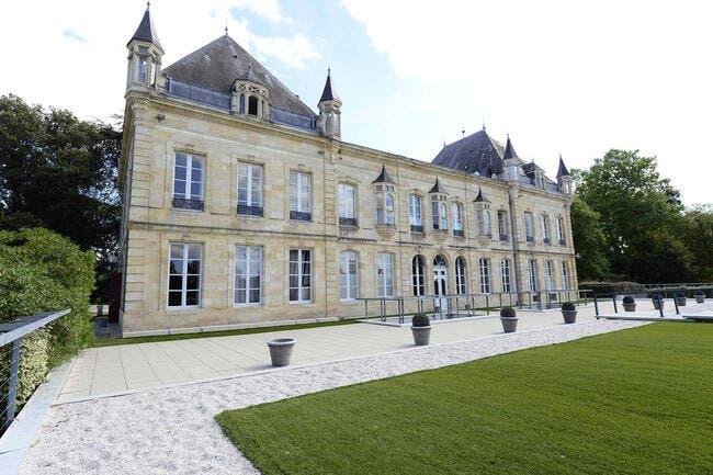 Bordeaux : Les Girondins bouclent une recrue surprise en défense