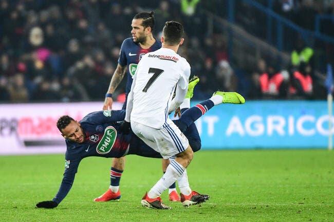 PSG : Strasbourg assume à 100 % avoir matraqué Neymar