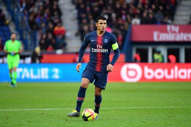 Vidéo: Thiago Silva fait un énorme buzz à Glastonbury, il n'en revient pas