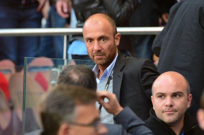 Esp : Dugarry humilié, le Barça le zappe sur Twitter !