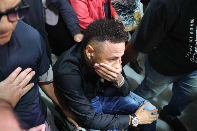 Des images de son entretien dérobées — Neymar