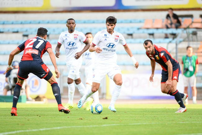 OL : La défense de Lyon craque face au Genoa