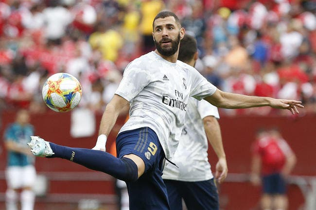 Photo : Benzema en égérie, le Real Madrid sort un maillot... vert