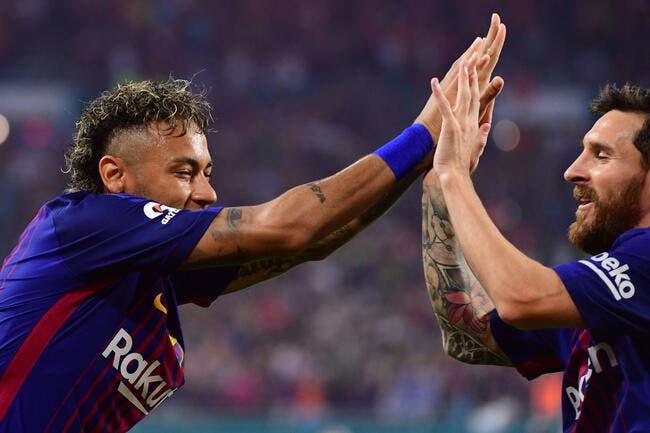 PSG : Neymar à genoux devant Messi pour signer au Barça