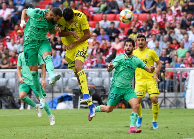 Esp : Triplé de Benzema, Madrid gagne enfin