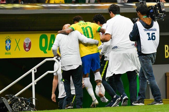 PSG: Les images de la blessure de Neymar, encore ce pied droit !