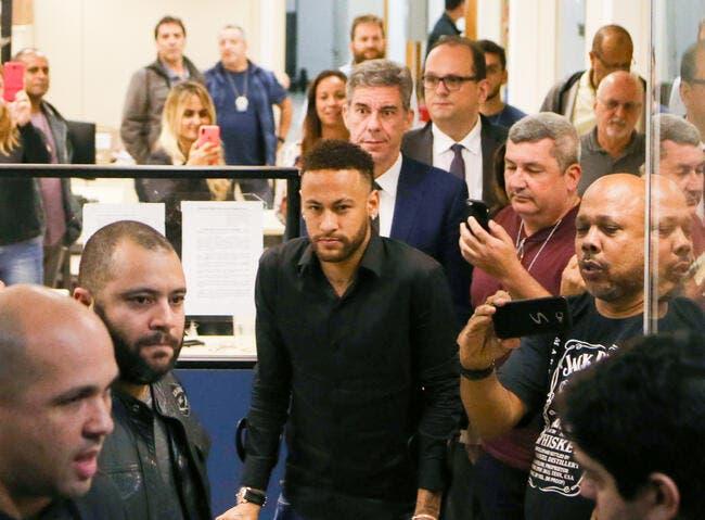 Affaire Neymar : Elle est écoeurée de passer pour «une pute qui ment»