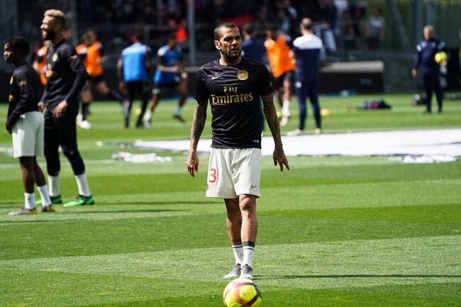 PSG : Neymar s'en va, Daniel Alves va le suivre !