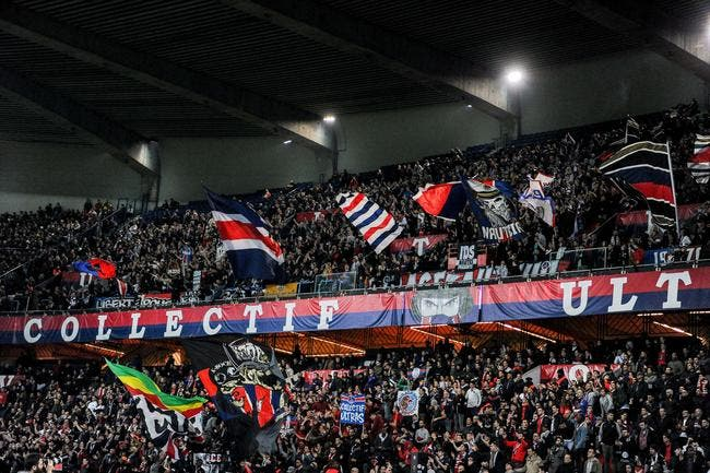 PSG : Les fans jettent le tifo prévu pour Paris-OM à la poubelle !