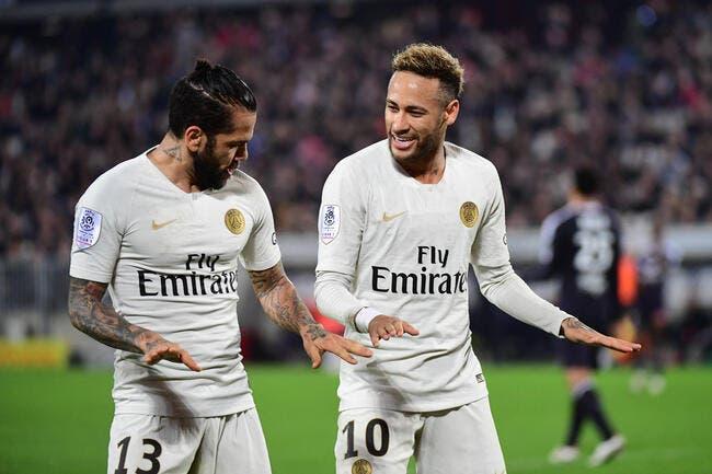 PSG : Neymar a encore gagné, Daniel Alves prolonge à Paris