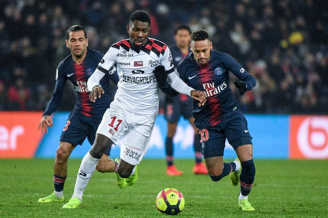 PSG : la prolongation d'Alves, pourquoi ça coince