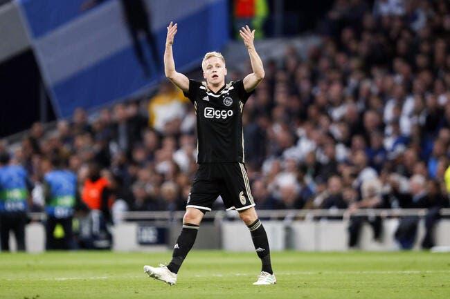 PSG : Van de Beek éclabousse l'Europe, son agent sort du silence