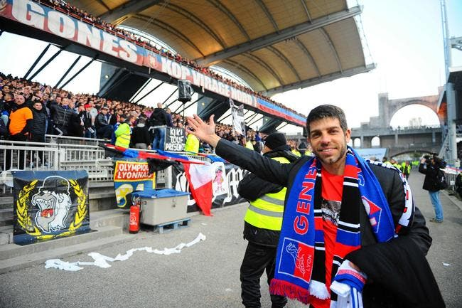 L'Equipe annonce le duo Juninho-Lamouchi à Lyon, l'OL contre-attaque