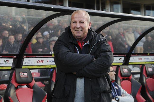 SMC: Ça va loin, Rolland Courbis accuse le PSG de perdre des points...