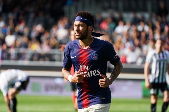PSG : Neymar sifflé en L1, elle crie au scandale