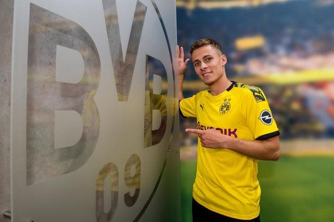All : Thorgan Hazard signe à Dortmund