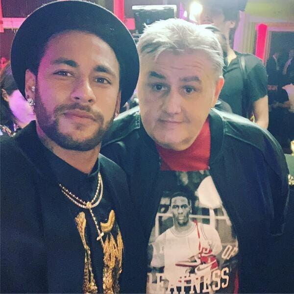 PSG : Un selfie avec Neymar, Pierre Ménès se fait lyncher