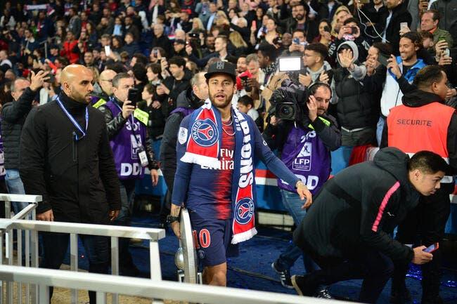 PSG : Les rumeurs sont bidons, Neymar reste à Paris