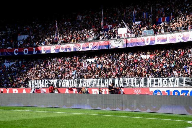 PSG : Le père de Neymar est un mac, il a adoré la banderole