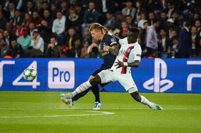 PSG : Idrissa Gueye a mis Thiago Silva à ses pieds