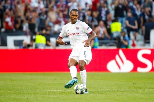 OL : Sylvinho annonce le forfait de Marcelo à Brest
