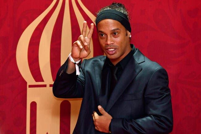Ronaldinho sort de prison, mais reste en galère