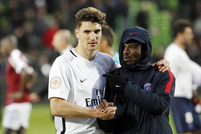PSG: A genoux devant Leonardo, Meunier met Mourinho en attente