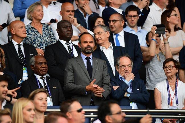 Covid-19 : L'uppercut d'Edouard Philippe, la reprise du foot annulée ?