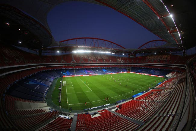 UEFA : La fin du foot à huis clos pour la SuperCoupe d'Europe ?