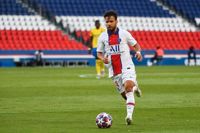 PSG: Comme Neymar et Mbappé, Bernat inquiète Leonardo