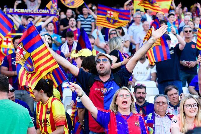 Esp : Des supporters du Barça envahissent le Camp Nou