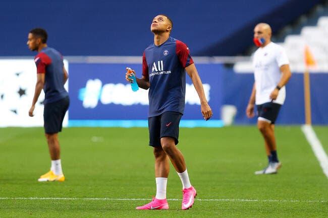 PSG : Mbappé accompagne Thiago Silva et Choupo-Moting vers la sortie