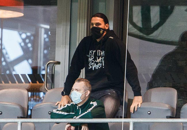 Officiel : Ibrahimovic prolonge au Milan AC
