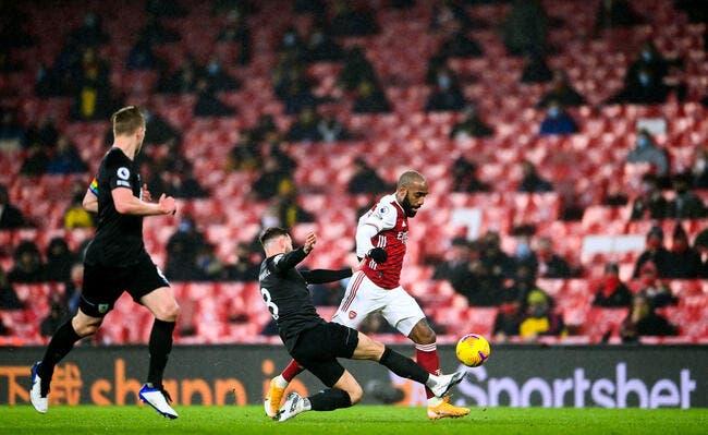 PL : La Premier League referme les stades londoniens au public