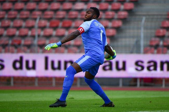 SRFC : Riffi Mandanda signe au Stade Rennais