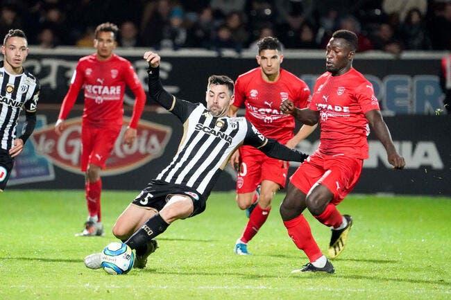 Nîmes - Angers : 1-0