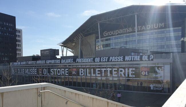 OL : Jean-Michel Aulas visé par une banderole à Lyon !