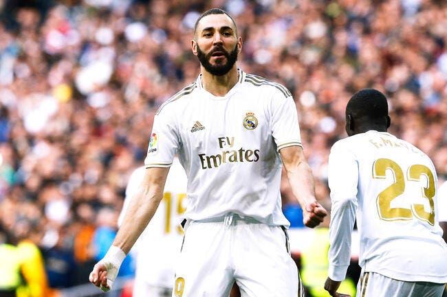 Esp : Benzema a bien prolongé au Real Madrid jusqu'en 2022