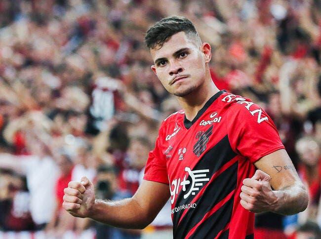OL : Bruno Guimaraes confirme qu'il signe à Lyon grâce à Juninho !